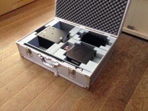 測定機器収納用アルミケース